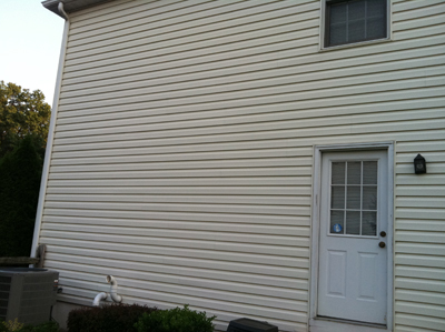 After Picture - Vinyl Siding Cleaning